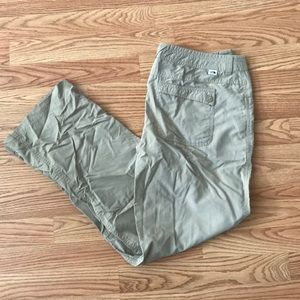 The perfect tan pants for hiking